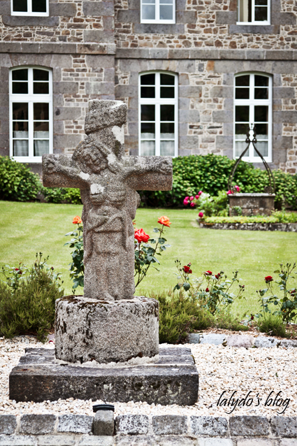 monastere-beaufort-croix