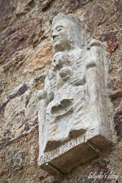 monastere-beaufort-statue