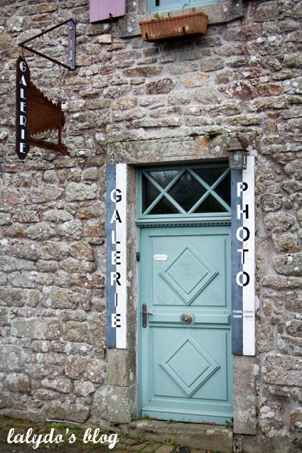 facade-locronan-2