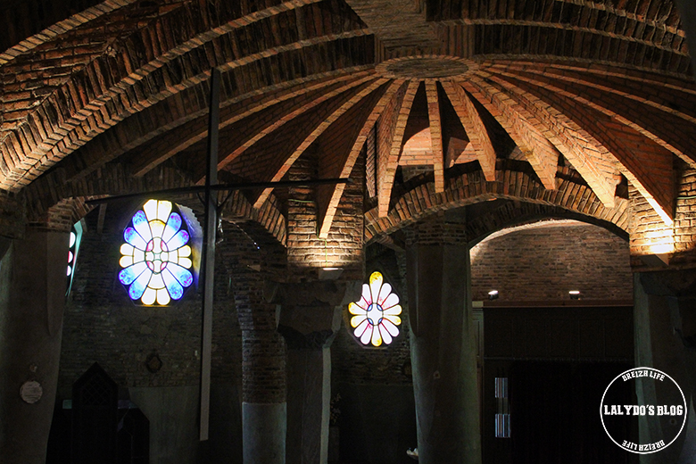 province-de-barcelone-crypte-gaudi